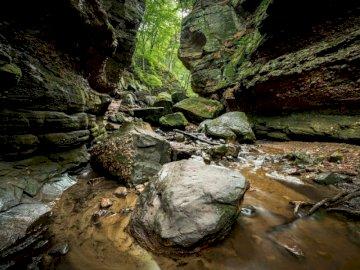 El Westrock - Rocas grises en la cueva. Madison, WI