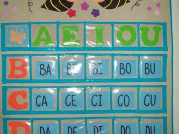 Lettura - metodo della sillaba - Disporre i puzzle. Quindi leggi le sillabe lì. Leggi chiaramente. Riesci a leggere queste sillabe