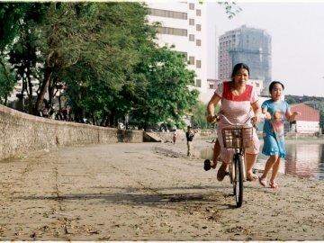 Récréation - Femme à cheval. Vietnam