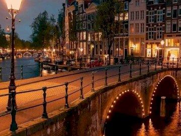 Amsterdam - oh oh oh oh oh oh oh oh oh oh oh oh oh
