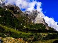 Η Σκάλα στον Παράδεισο - Οροσειρά που καλύπτεται από χιόνι.