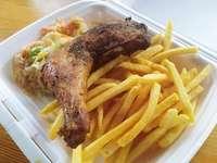 Πατάτες τηγανητές + κοτόπουλο - Δεύτερο μάθημα γρήγορου φαγητού