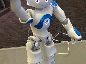 Robot NAO - Robot edukacyjny NAO, interaktywny robot humaniode
