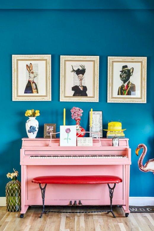 Różowy fortepian