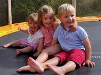 Baptysta - baptiste constance te Justine ccantal trampoline