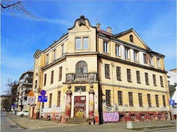 zabytkowy budynek - zabytkowy budynek w stolicy szkieletczyzny :)