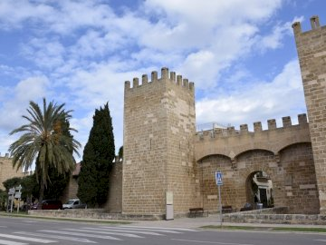 wall of alcudia in mallorca - wall of alcudia in mallorca