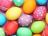 Påskägg - målade ägg. För en grupp av 5,6-åringar