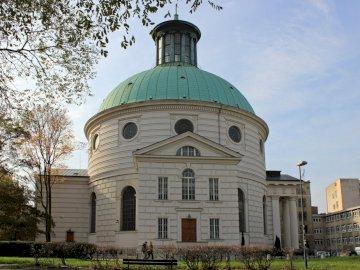 Kościół Św. Trójcy - Kościół Św. Trójcy, znajdujący się w dzielnicy Warszawa Śródmieście.