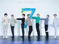 BTS MOTS7 - zkuste dát dohromady poslední comeback, který BTS vydal hej na na na