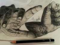 două mâini