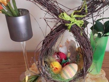 stroik wielkanocny z jajkiem - stroik wielkanocny z jajkiem