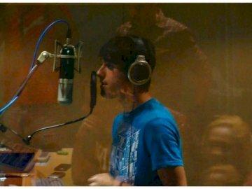 Jorge♥ - Jorge (Jorge Blanco)przyjaciel Cristobala ,Cesara i Juana Carlosa .Zakochany w Joy