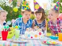 Üdvözöljük a születésnapomat!