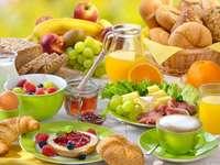 Desayuno, pan, jugo, café