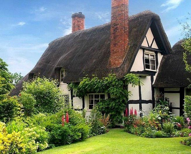 В английската провинция - В английската провинция къща с градина (9×9)