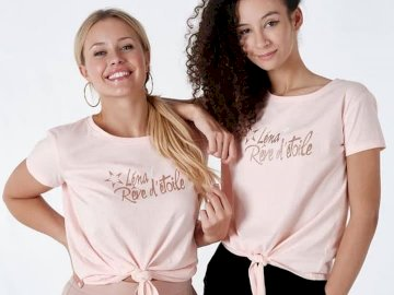 Lena e Ines dello spettacolo, mi trovano a Parigi - Lena e Ines dello spettacolo, mi trovano a Parigi