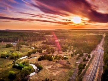 widoczek 2 - zachód słońca, natura i człowiek