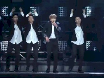 zdjęcia koncertowe bts - Japoński zesół BTS