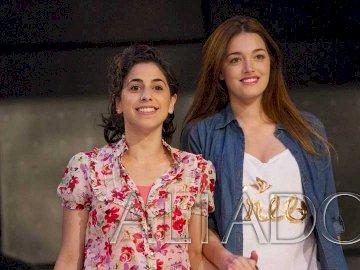 Azul și Maia din serialul argentinian Aliados. - Azul și Maia din serialul argentinian Aliados.