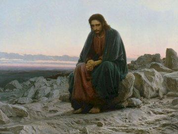 Jesús en el desierto - Jesús en el desierto desafía a Satanás y sus tentaciones Una persona de pie frente a una montaña