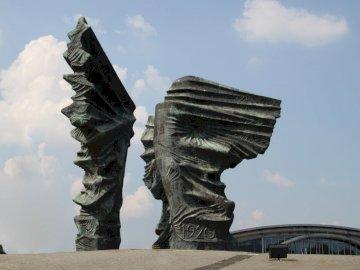 Monument des insurgés de Silésie - Monument aux insurgés de Silésie à Katowice. Une statue d'une personne.