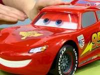 зигзаг кола - зигзаг bw от колите от приказките. Черна и червена кола �