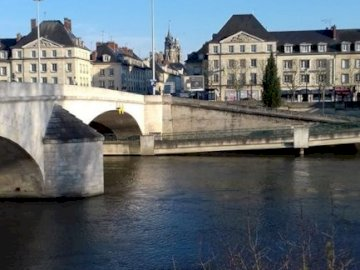 marie-do - The Pont Louis XV in Compiègne from the station. A bridge over a body of water.