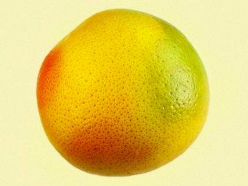 Toronja 01 - Fruits rouges, jaunes et verts. Mexique. Une pomme et une orange.