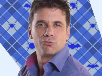 Alvaro De La Torre - Alvaro De La Torre father of Max and Belinda. He hates his wife Linette. In episode 98, he is transf