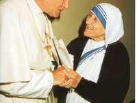Saint Jean-Paul II avec sa mère Teresa de Calcutta