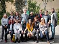 classe de COP - classe de la COP 2019/2020 (Cinéfabrique). Un groupe de personnes posant pour une photo.