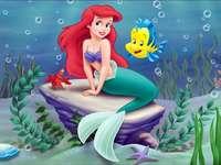 malá mořská víla - mrkev puzzle dětská hra.