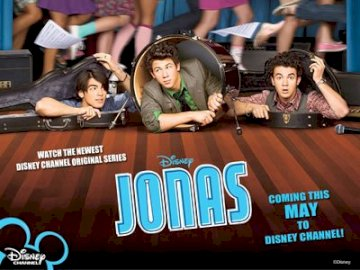 Jonas Brothers - Jonas Brothers Its composition consists of three brothers Jonas: Kevin, Joe and Nick. A group of peo