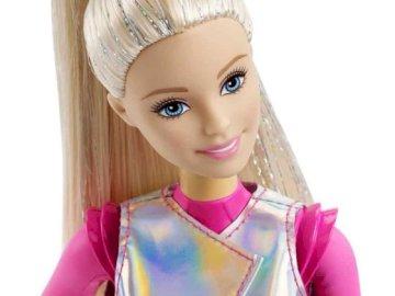 Puzzle_Zofia - Puzzle avec des graphismes Barbie. Quelque chose pour les filles. Une petite fille portant un chapea