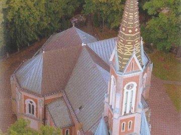 Puzzle Kościół w Kozach - Puzzle Kościół w Kozach. Zamknięty kościół.
