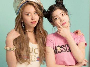 kimdahyun - Układanka dahyun i chaeyoung dwukrotnie. Dziewczyna pozuje do zdjęcia.