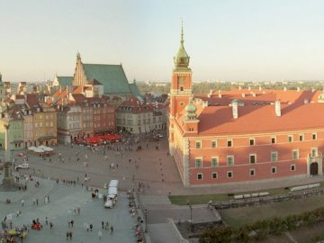 Warsaw capital of Poland - Try to arrange a photo of the Polish capital - Warsaw. A castle on top of a building.