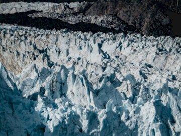 Princess Cruises Alaska - Fotografía de las montañas rocosas. Shanghai, China. Una montaña cubierta de nieve.