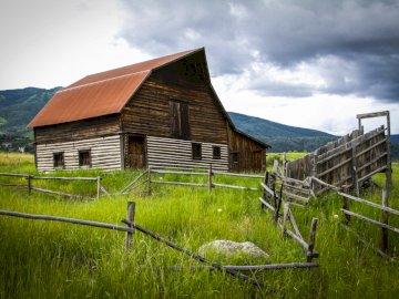 Colorado en los Estados Unidos - Una casa de madera en medio de la naturaleza, Colorado.
