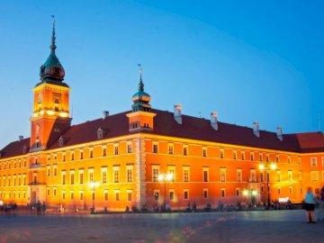 Zamek Królewski W-wa - Zamek Królewski w Warszawie. Zamek na szczycie żółtego budynku z Zamkiem Królewskim, Warszawa w