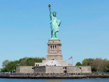 Statua Wolności - Jeśli lubisz Nowy Jork, nie przegap tej pięknej układanki, pięknej statuy wolności. Duża wież