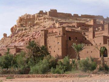 Alain Team BEM - Aït-ben-Haddou to ksar z Maroka, wpisany na Listę Światowego Dziedzictwa UNESCO, w prowincji Warz