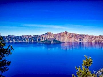 3ème merveille de la planète - Montagnes et plan d'eau. Californie, USA. Un grand plan d'eau avec le parc national