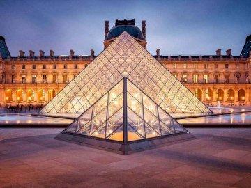 Luwr - Jeśli lubisz Paryż, nie przegap tej pięknej układanki z Luwru.