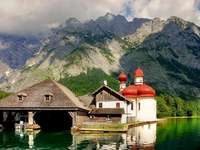 Am Bergsee. Online-Puzzle