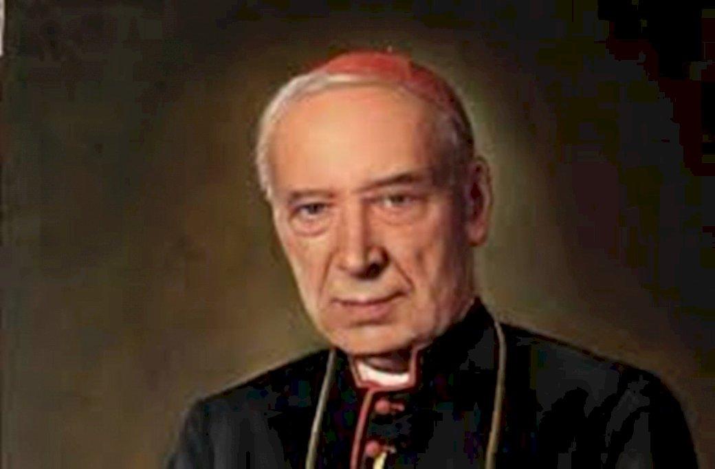 Cardinalul Stefan Wyszyński - Cardinalul Stefan Wyszyński. Stefan Wyszyński purtând costum și cravată (3×3)