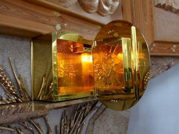 tabernakulum - Tabernakulum w kościele.