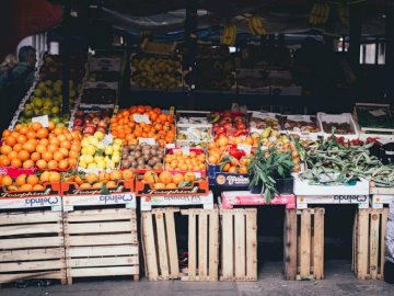 Venezia (Venice). Italy - . A store filled with lots of fresh produce.