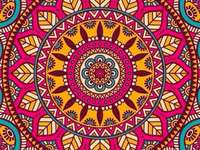 Mandala colorată